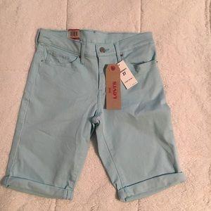 Women's Levi's Bermuda Shorts